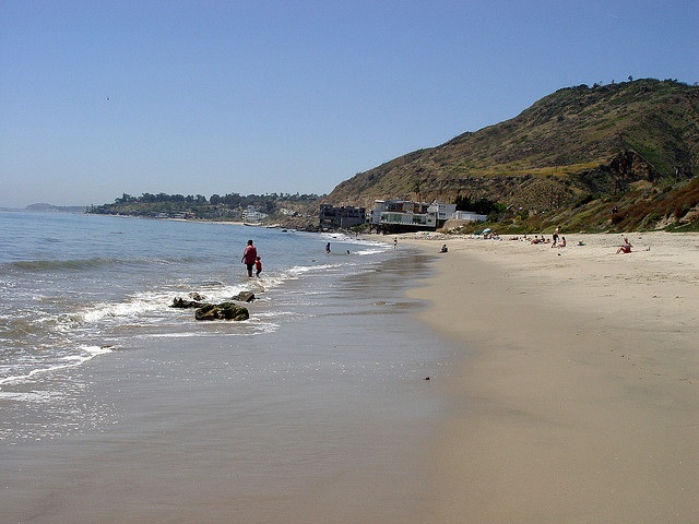 Malibu Bluffs over the beach looking west - photo by Joe Crawford (artlung) via Flickr Creative Commons